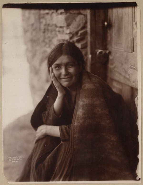 A navajo smile, 1904, Edward S. Curtis.