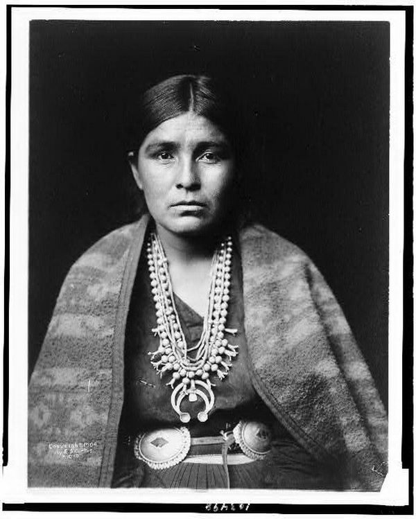 Head-and-shoulders portrait of Navajo woman, 1904.